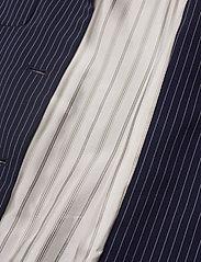 Baum und Pferdgarten - BOLIVIA - skræddersyede blazere - dark blue pinstripe - 4