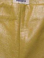 Baum und Pferdgarten - NARDEA - læderbukser - amber green - 2
