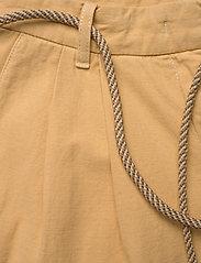 Baum und Pferdgarten - NOUR - bukser med brede ben - apricot cream - 3