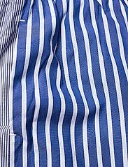 Baum und Pferdgarten - NALA - bukser med brede ben - blue folk stripe - 2