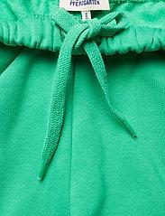 Baum und Pferdgarten - JOSANN - shorts casual - gumdrop green - 3