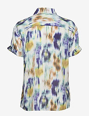 Baum und Pferdgarten - MOANNA - blouses à manches courtes - white blue floral blur - 1