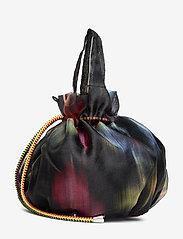 Baum und Pferdgarten - KALINA - bucket bags - black floral blur - 1