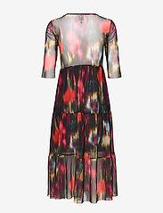 Baum und Pferdgarten - JONES - do kolan & midi sukienki - black floral blur - 1