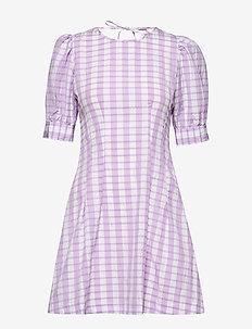 AURELIA - korte kjoler - creamy lilac check