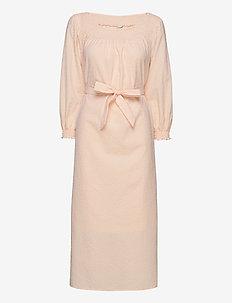 AMALIE - midi kjoler - alesan peach