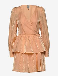 AKEISHA - slå-om-kjoler - apricot sherbet