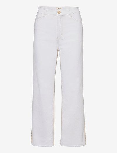 NEEDRA - pantalons larges - denim creme patch
