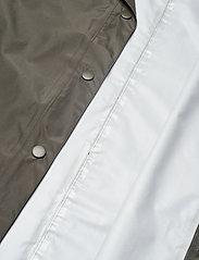 Becksöndergaard - Solid Magpie Raincoat - regntøj - army green - 5
