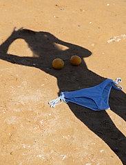 Becksöndergaard - Striba Ailis Bikini Top - bikinitopper - blue - 3