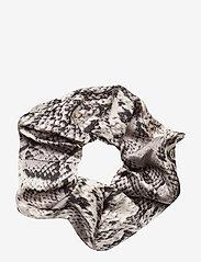 Becksöndergaard - Snake Scrunchie - accessories - grey - 0