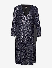 Becksöndergaard - Sequins Everlee Dress - kietaisumekot - blue - 0