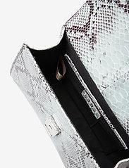 Becksöndergaard - Snake Petit Malery Bag - handväskor - white - 4