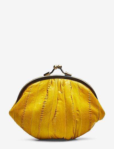 Granny - punge - yellow