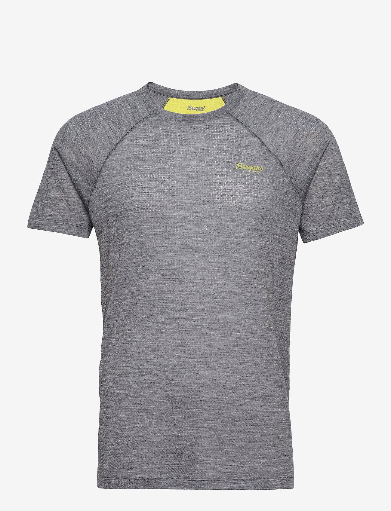Bergans - Flyen Wool Tee - t-shirts - solid dark grey - 0