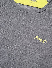 Bergans - Flyen Wool Tee - t-shirts - solid dark grey - 2