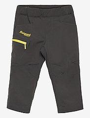 Bergans - Lilletind V2 Light Softshell Kids Pants - broeken - solid charcoal/pineapple - 0