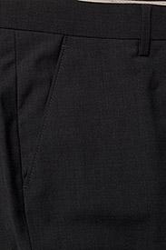 Bertoni - Davidsen-Ravn - single breasted suits - 970 gun metal - 5