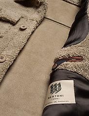 Bertoni - Boraas - tops - 825 warm sand - 4