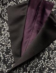 Bertoni - 2153Karlsen- Bloch - enkelknäppta kostymer - 940 salt - pepper - 4