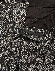 Bertoni - 2153Karlsen- Bloch - enkelknäppta kostymer - 940 salt - pepper - 8