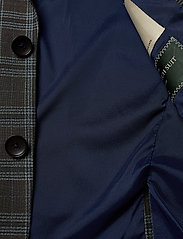 Bertoni - Ludvigsen-Ravn - single breasted suits - 870 mustang - 5
