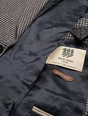 Bertoni - Karlsen - enkeltkneppede blazere - 740 dress blue - 4