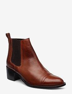 BIACAROL Dress Chelsea - ankelstøvler med hæl - cognac