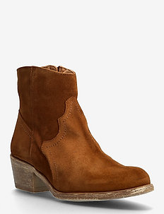 BIADAVALYN Suede Boot - heeled ankle boots - cognac