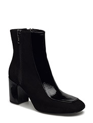 BOOTS - BLACK SUEDE/PATENT 520