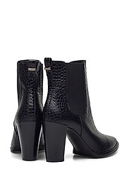 Boots 7792