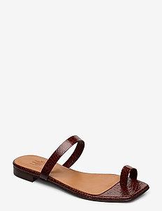 Sandals 14100 - flat sandals - cognac yango 15
