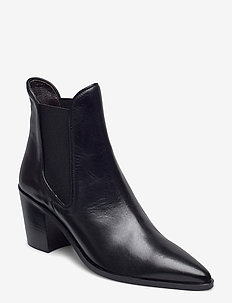 Boots 4942 - ankle boots with heel - black calf 80