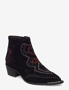 BOOTS - BLACK SUEDE 500
