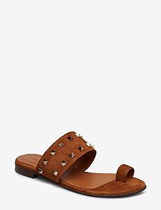 Sandals 8702 - COGNAC SUEDE/GOLD 562