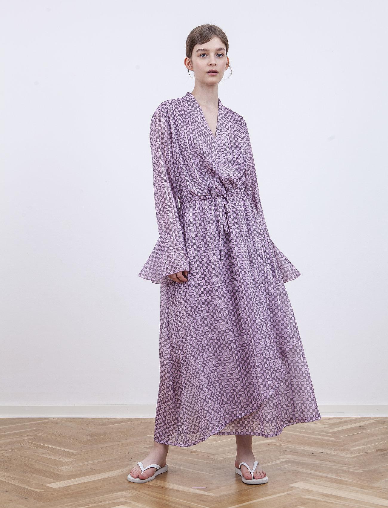 Birgitte Herskind - Rillo Dress - omlottklänning - aop pink chain