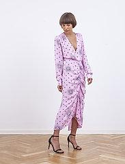 Birgitte Herskind - Aria  Dress - omlottklänning - pink sun - 0