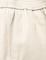 Birgitte Herskind - Rimini Shorts - shorts casual - chalk - 4
