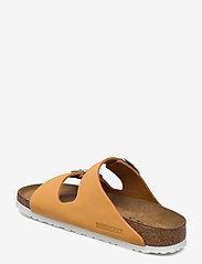 Birkenstock - Arizona Soft Footbed - flade sandaler - apricot - 2