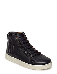 Shoe with laces - BLACK