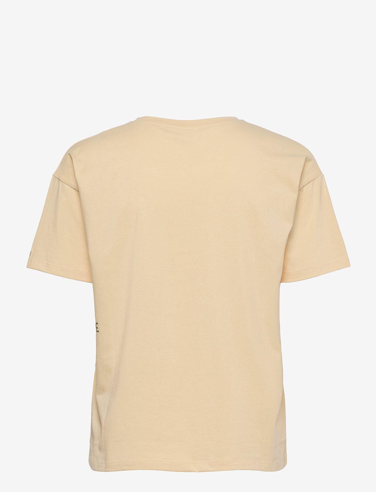 Blanche - Main DNA - t-shirts - cornhusk - 1