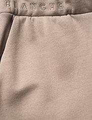 Blanche - BLANCHE x BOOZT Hella Slit Pants - bukser med brede ben - cinder - 3