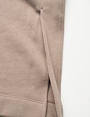 Blanche - BLANCHE x BOOZT Hella Slit Pants - bukser med brede ben - cinder - 4