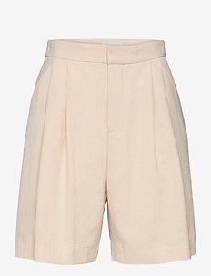 Debby Shorts - chino short - cornhusk