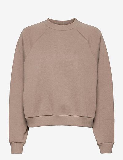 BLANCHE x BOOZT Hella Oversize - BZ - sweatshirts & hoodies - cinder