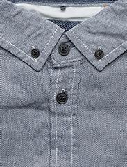 Shirt