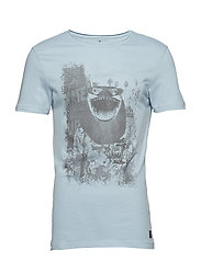 Tee - DUSTY BLUE