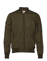 Outerwear - BEETLE GREEN