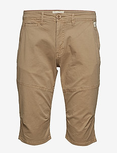 Shorts - SAND BROWN