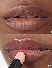 Bobbi Brown - Extra Lip Tint Shade Bare Melon - läppglans - bare melon - 3